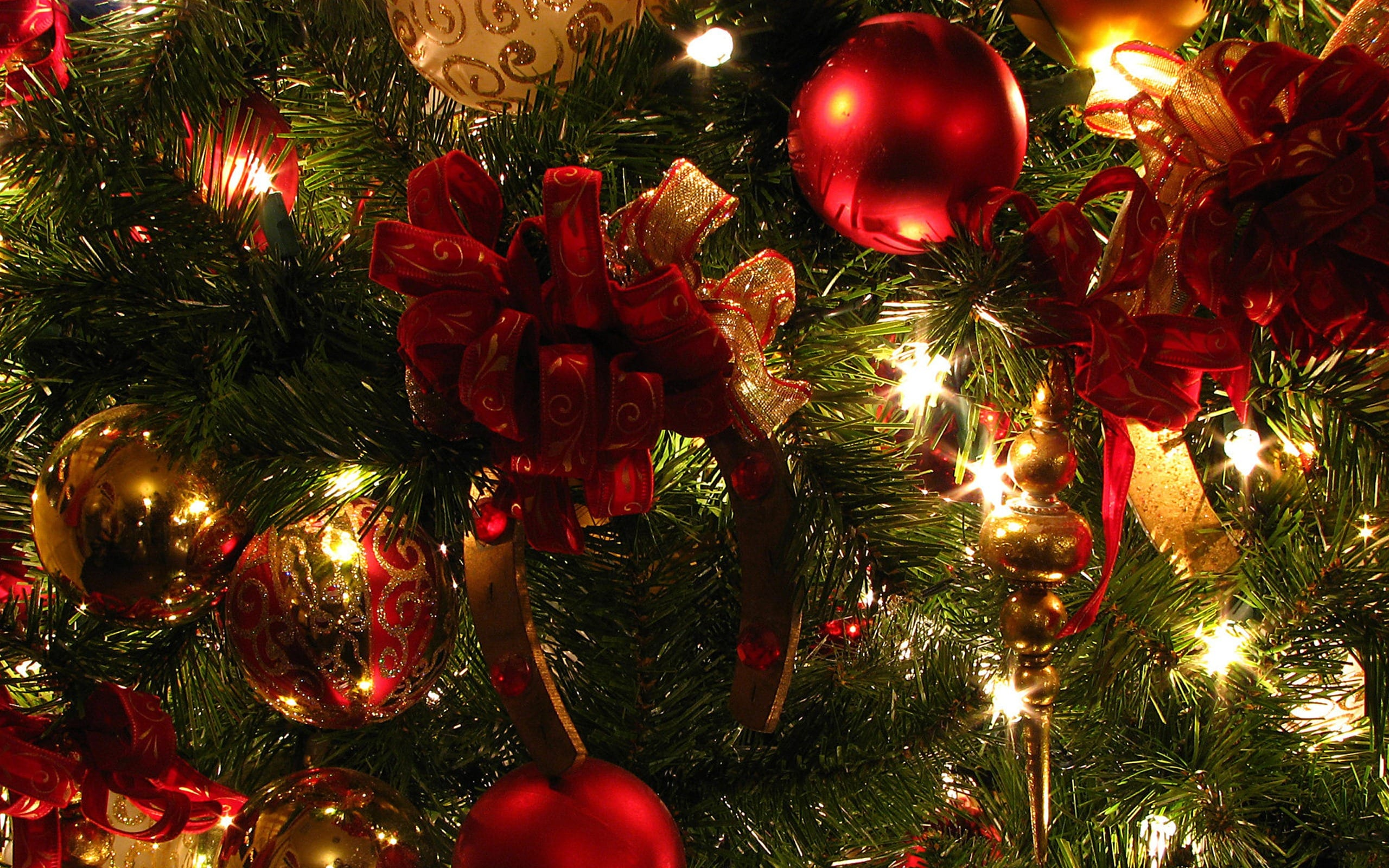 christmas_lights_by_dragontank95-d89fhww