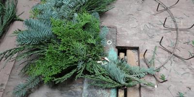 wreath_machine
