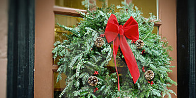 wreath_on_door